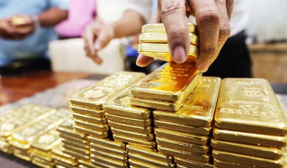 Giá vàng đang trên đà leo dốc lại tụt 350ngàn/lượng, gas cũng giảm tới 69ngàn/bình