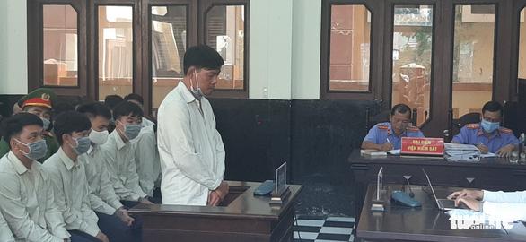 Tiền Giang: Xét xử phúc thẩm đại ca giang hồ Tân 'móp' cùng đàn em nổ súng, chém người