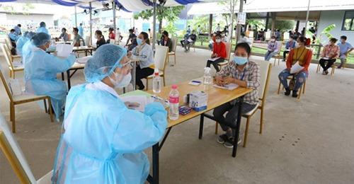 Campuchia tăng 576 ca COVID-19 một ngày, nhiều hơn cả năm 2020