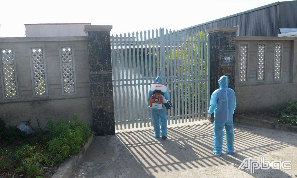 Chủ tịch UBND tỉnh Tiền Giang làm việc với TP. Mỹ Tho về 2 ca nghi nhiễm Covid-19